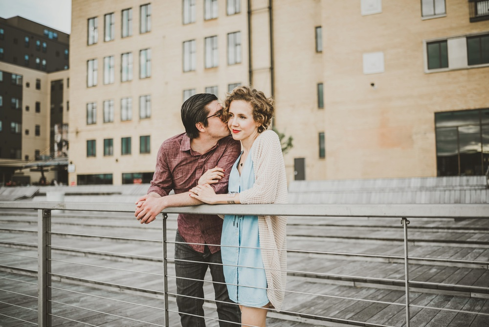Broadway Green Bay Engagement Photographer_3370.jpg