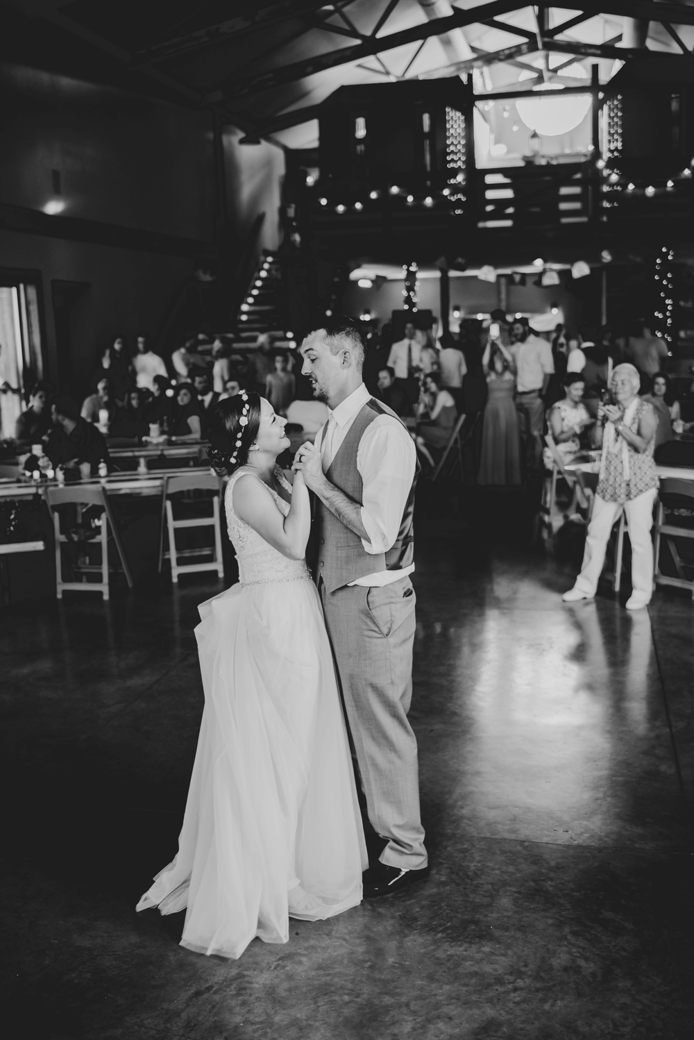 Barnes Place Iowa Wedding Photographer_3598.jpg