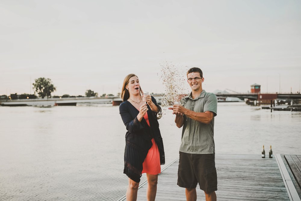 Vetran's Park Green Bay Wedding Engagement Photographer_3819.jpg