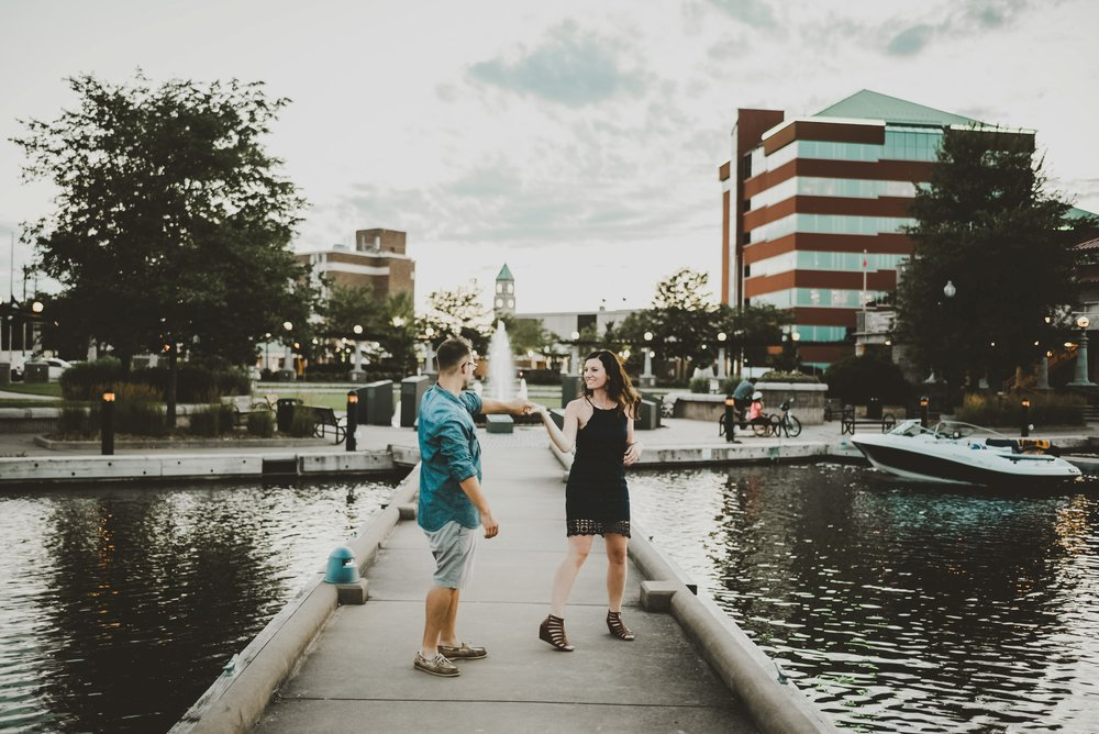 Downtown Neenah Wedding Engagement Photographer_3862.jpg