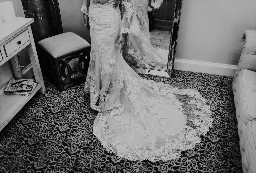 Black Swan Third Ward Milwaukee Wedding Photographer_1842.jpg