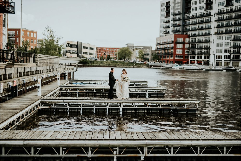 Black Swan Third Ward Milwaukee Wedding Photographer_1873.jpg