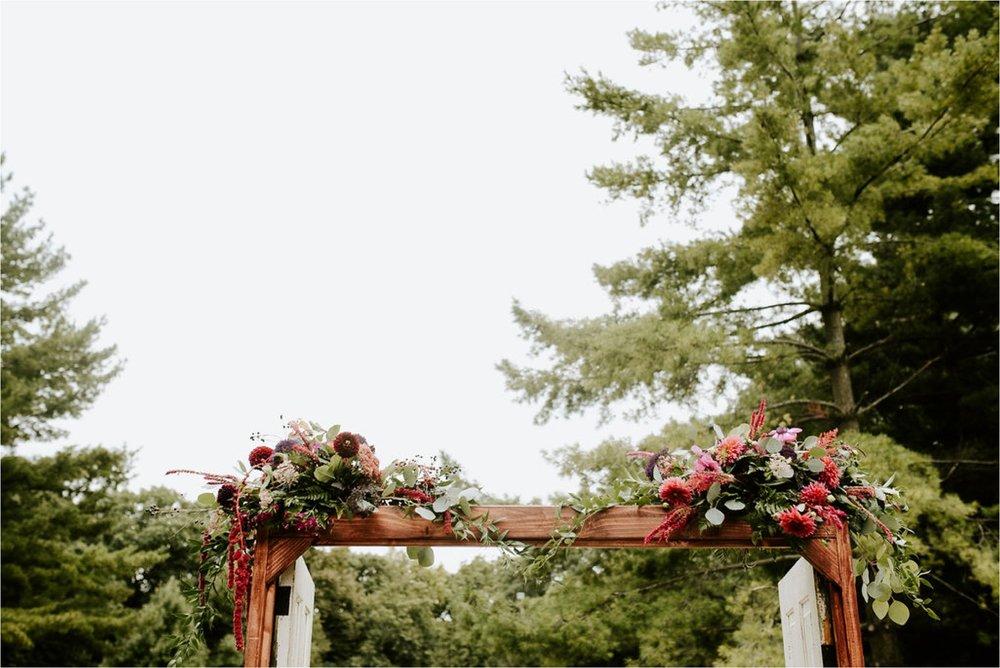 Wooly's Des Moines Rose Garden Concert Venue Wedding_3288.jpg