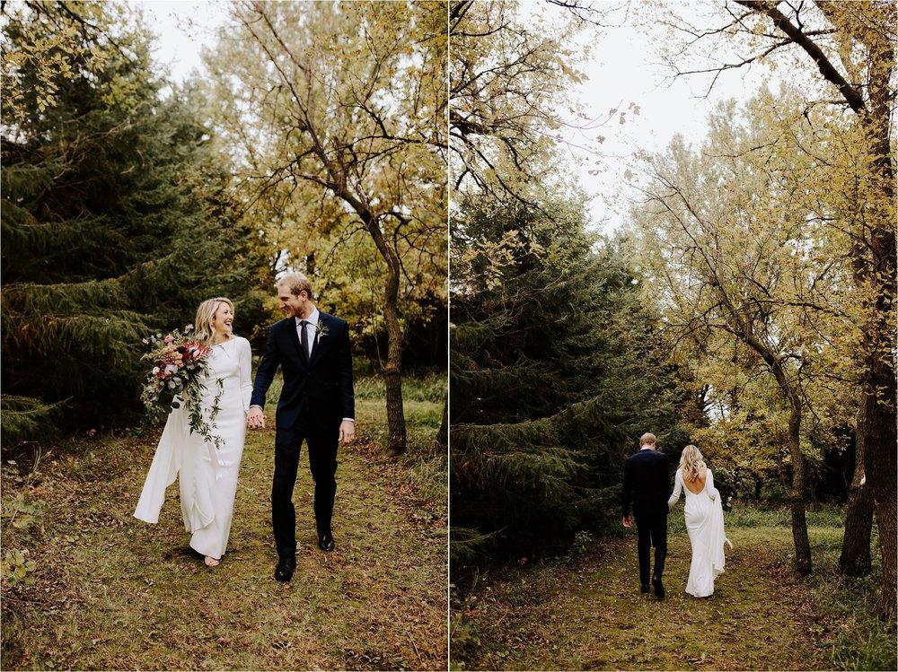 outdoor minnesota farm october wedding