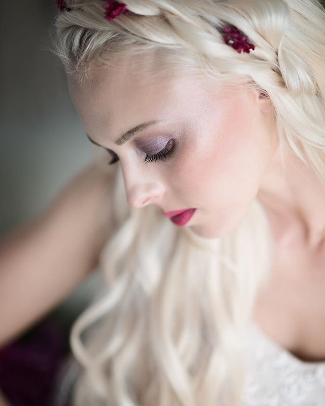 I love the intimate feel of this portrait. It's quiet in its beauty. Modeled by @a_gothamgirl Hair by @juliechristinebeauty Makeup by @magscathey Flowers by @losangelesfloralcouture