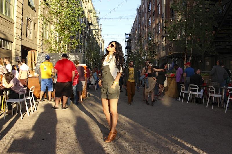 Overalls: own, Shoes:DV by Dolce Vita, White Blouse: H&M (similarhereandhere),Sunglasses: Anthropologie sale, Lips:Nars Schiap