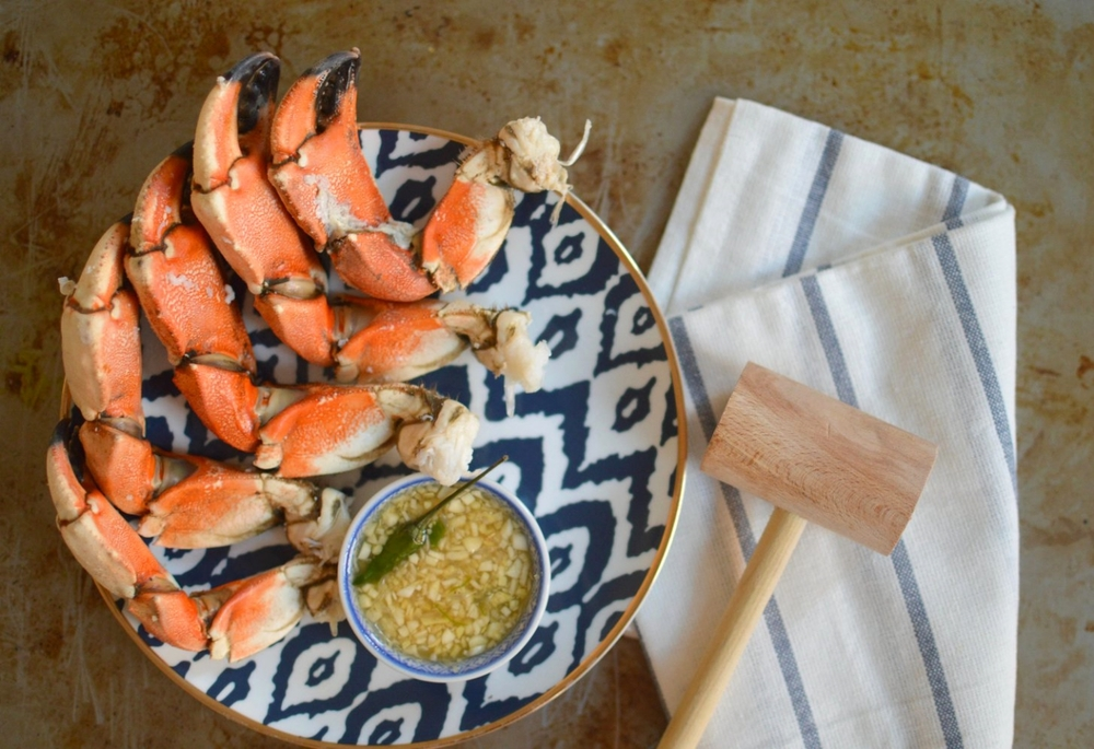 stone_crab_claws_with_Thai_dipping_sauce_recipe.jpg