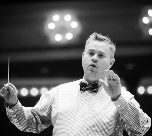 Mark Reid conducting