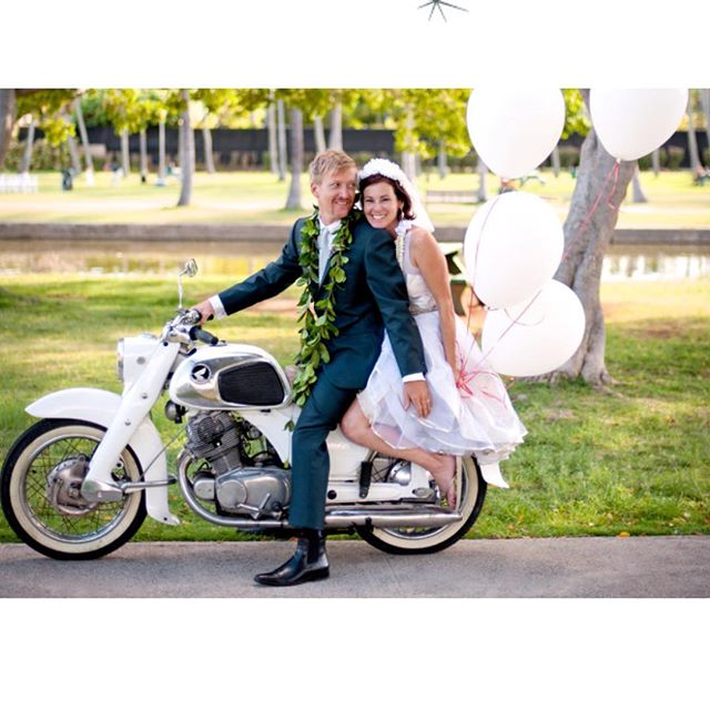 This shot always makes our ❤️'s melt! Happy Valentines Day Lovers!  Ian & Jac  Photo by #gertrudeandmabelweddings  Event design : @stacymccain  #valentinesday #happyvalentinesday #weddinginspiration #destinationwedding #happiness #youmeetthenicestpeopleonahonda