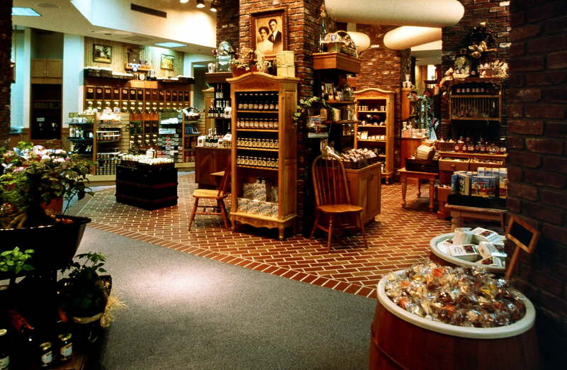 Berry Market interior 5309643691[K].JPG