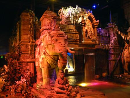 Asian temple front 2402685904[K].JPG