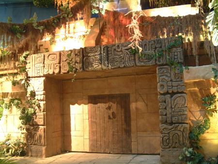 Mayan temple door 2402683558[K].JPG