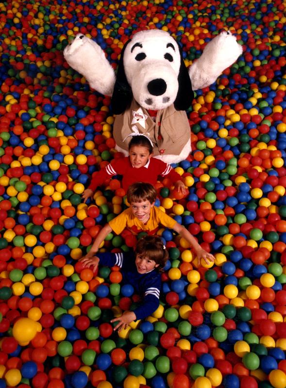 Camp Snoopy_Ball Crawl 3383216689[K].JPG