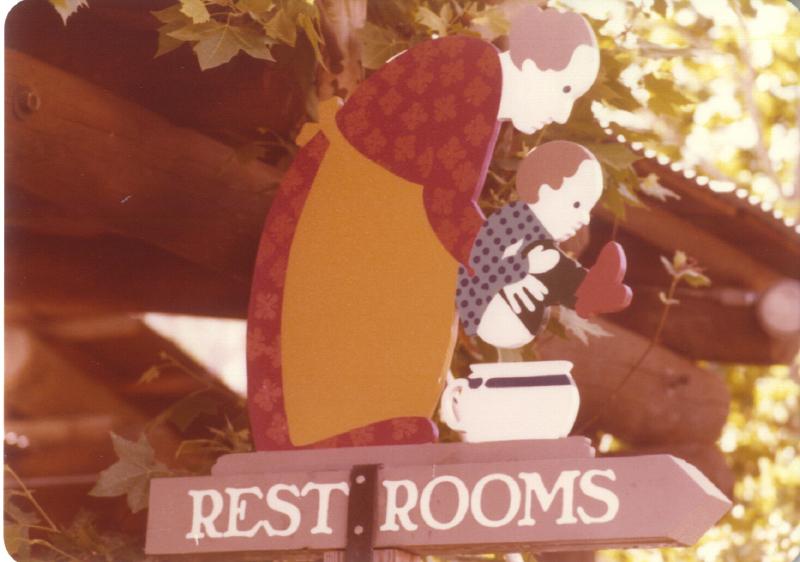 Spillikin Corners Restrooms sign 3484974744[K].JPG