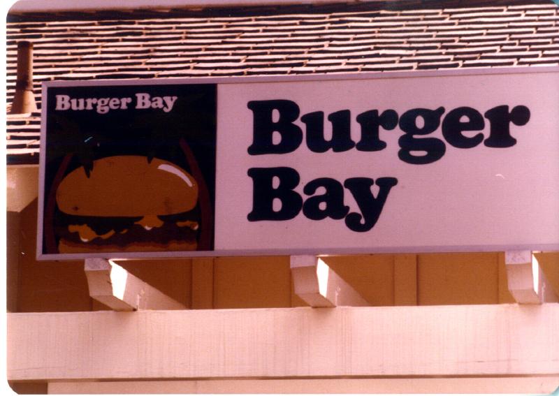 MAGIC MOUNTAIN Burger Bay 3484098337[K].JPG