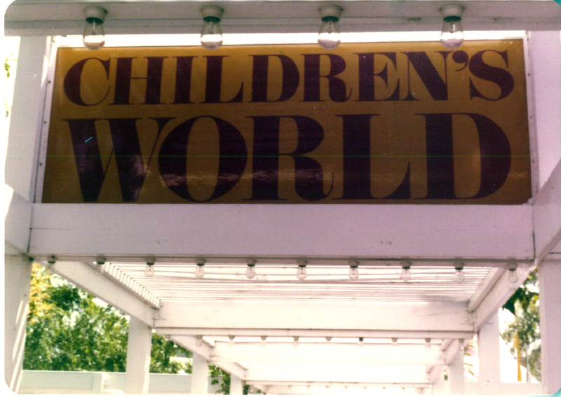 MAGIC MOUNTAIN Childrens World 03 3484094181[K].JPG
