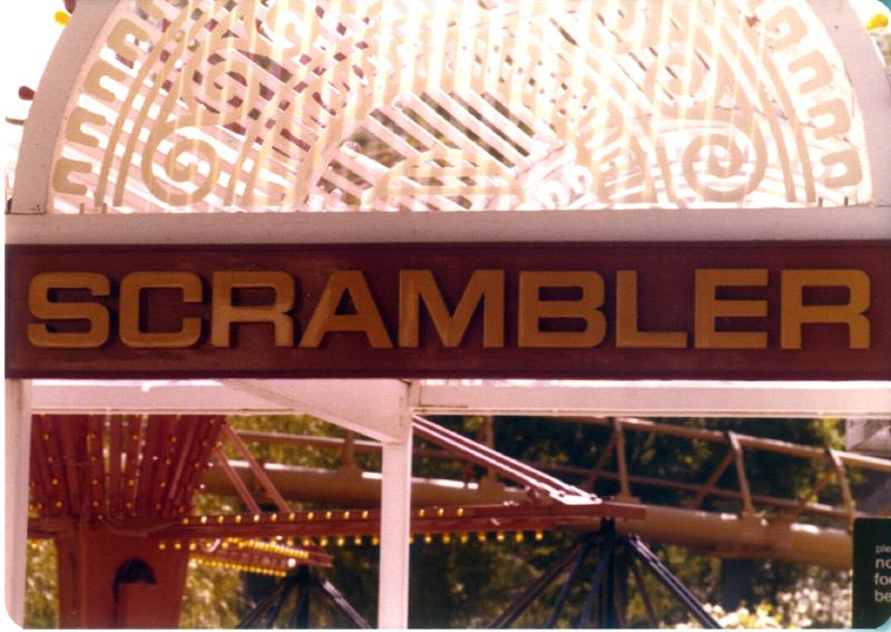 MAGIC MOUNTAIN Scrambler ride 3484109279[K].JPG