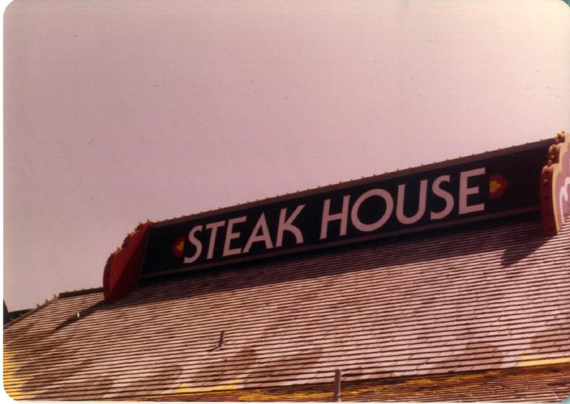 MAGIC MOUNTAIN Steak House 3484111259[K].JPG