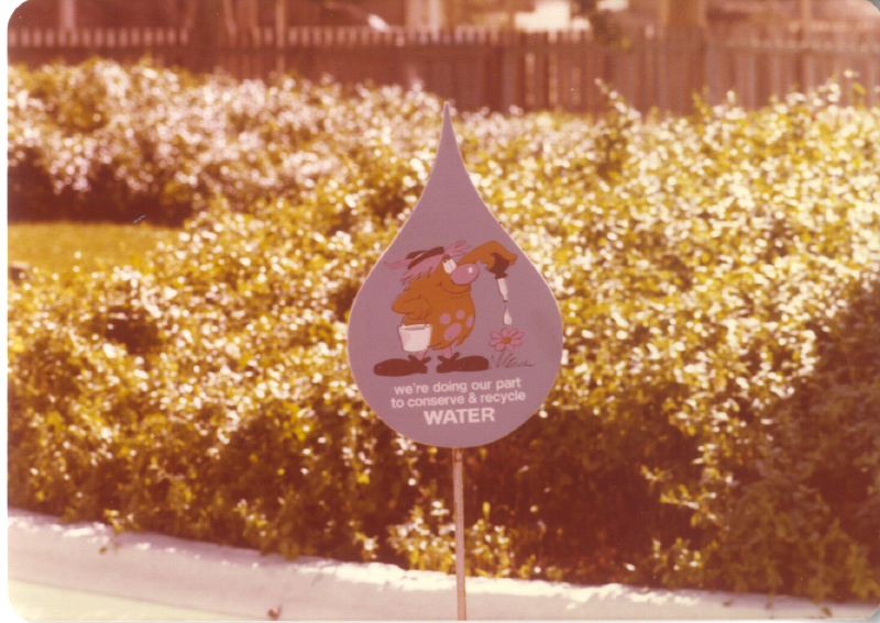 MAGIC MOUNTAIN water sign 3484917324[K].JPG