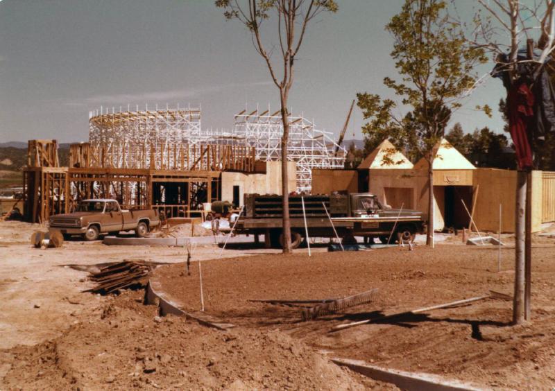 MM Collossus construction 04 6824845084[K].JPG