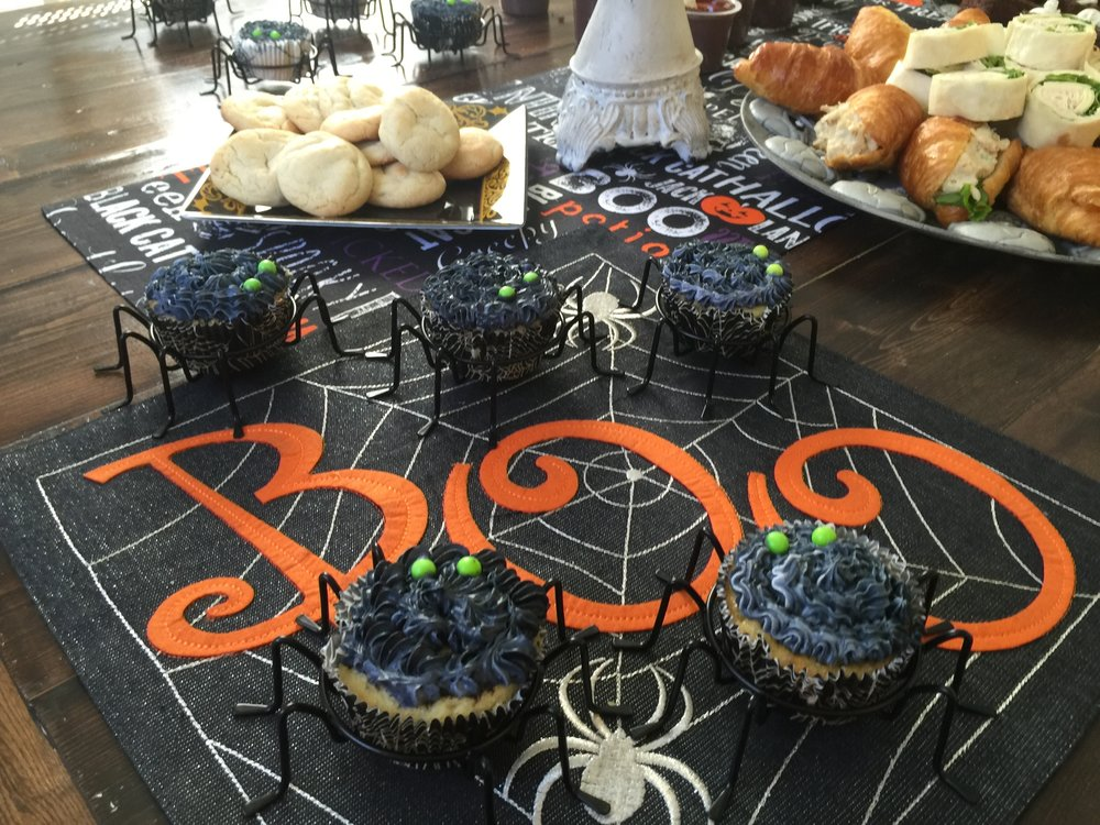 Spider cupcakes...very spooky!
