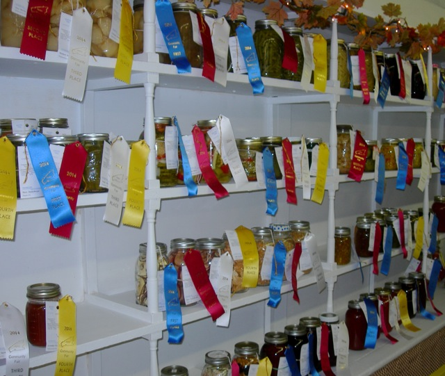 It looks like every jar has a ribbon!
