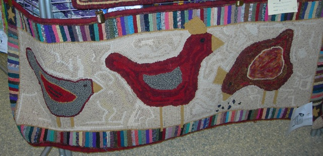 A fun chicken rug hooked by fellow Magdalena Rug Hooker, Candi Derr!