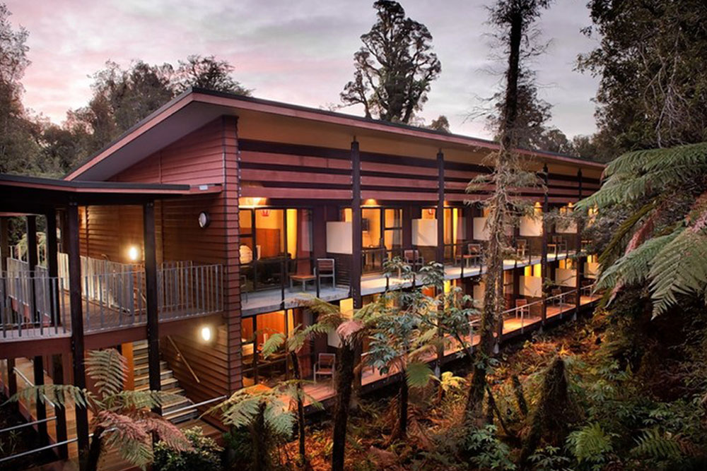 TE WAONUI FOREST RETREAT, FRANZ JOSEF GLACIER, NEW ZEALAND