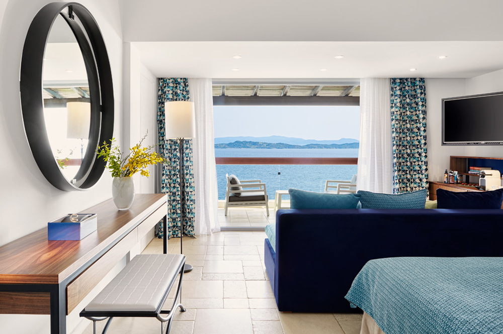 Junior-Suite-sea-front.jpg