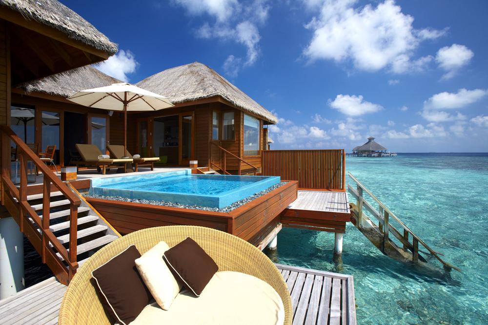 Hi_PHUV_59890101_Ocean_Bungalow_with_Pool_-_Exterior.jpg