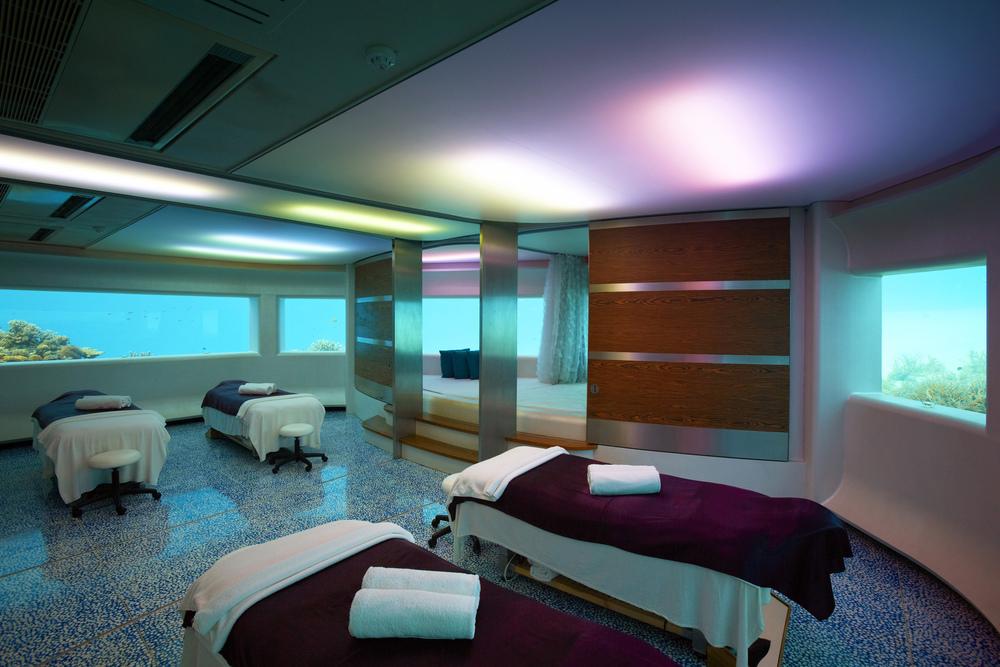 Hi_PHUV_59890345_Spa_Underwater_Treatment_Room.jpg