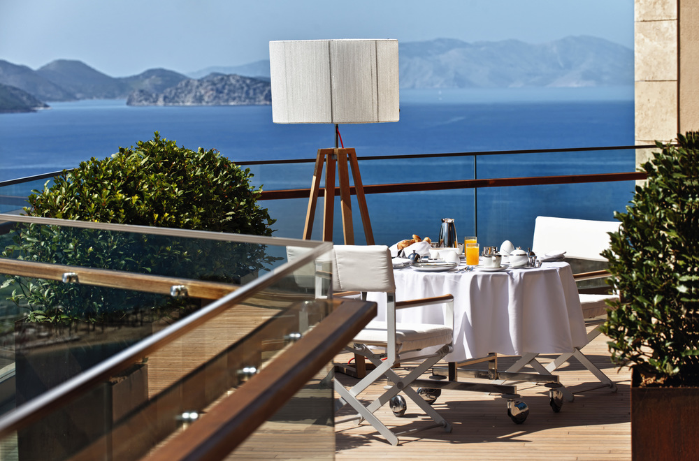D-Hotel_Maris_Suites_Presidential_Suite_Terrace_Breakfast_jpeg.JPG