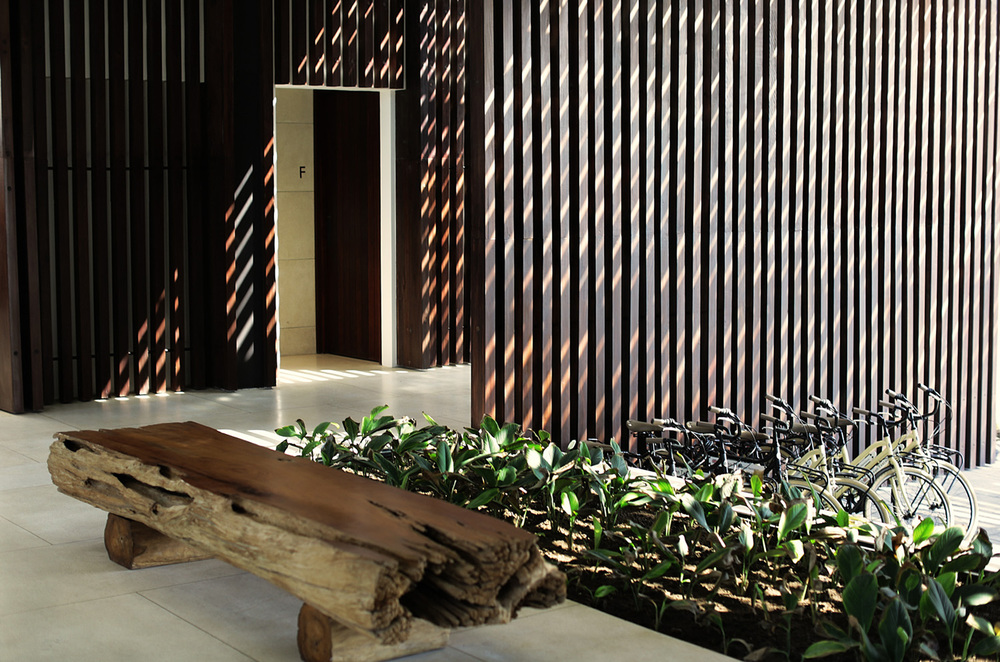 Alila Seminyak - Lobby Lounge 06.jpg