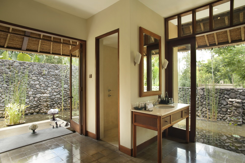 Alila Ubud - Accommodation - Pool Villa Bathroom 01.jpg