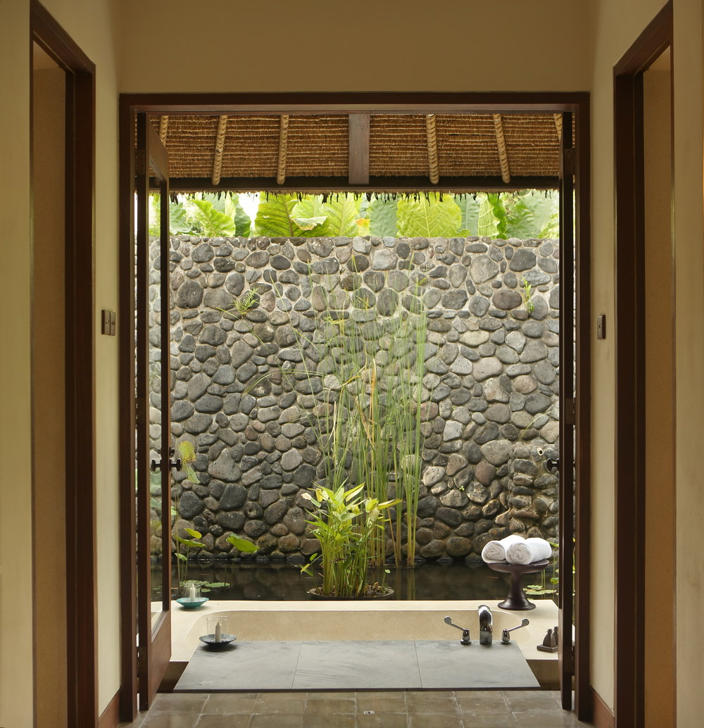 Alila Ubud - Accommodation - Pool Villa Bathroom 02.jpg
