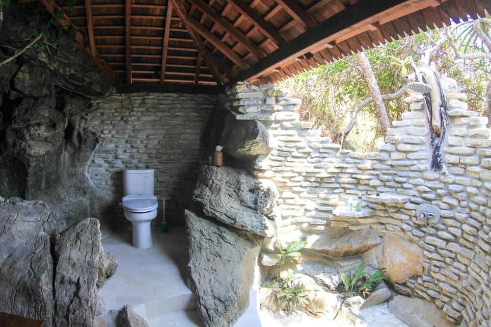 MER.Waya.Biru.JM.bathroom.jpg