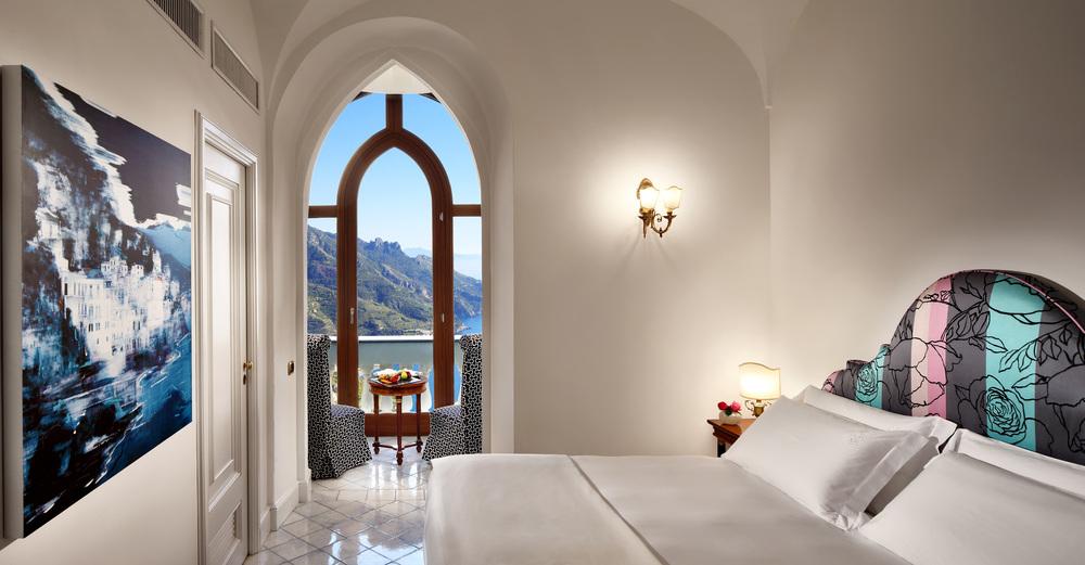 palazzo-avino-deluxe-sea-view-room-1.jpg