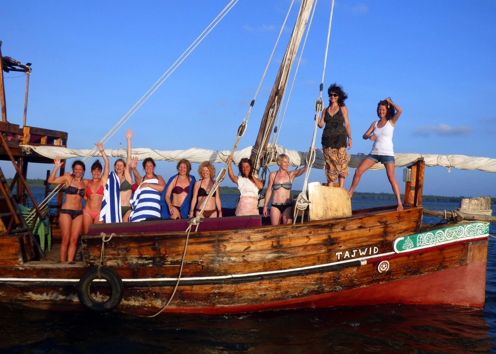 Activities Dhow Sunset Boat 2.jpg