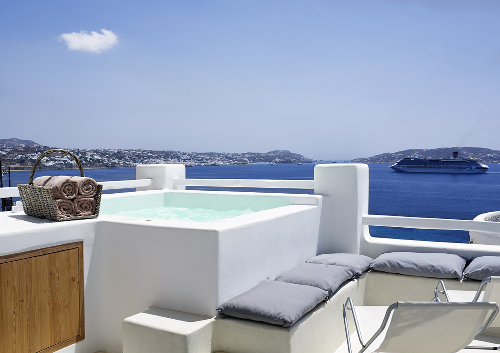 DELUXE SEA VIEW WITH OUTDOOR SPA BATH (15).jpg