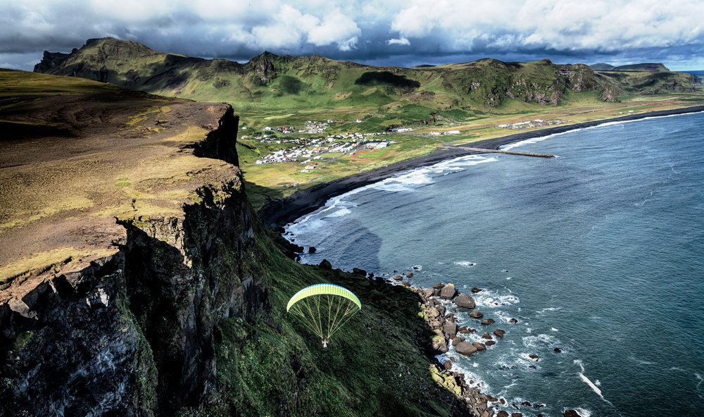 Paragliding_South_Iceland.jpg