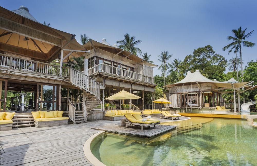 017-SK-Soneva_Kiri_Private_Beach_Pool_Reserve_5BR_exterior_by_Asit_Maneesarn.jpg