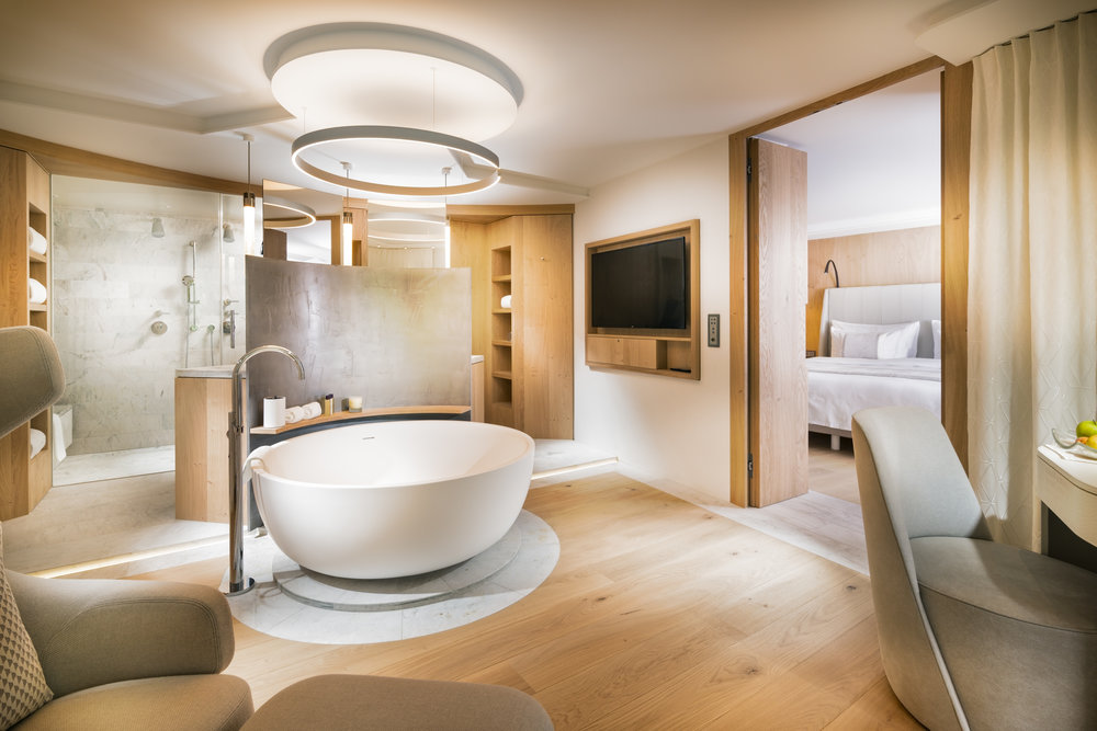 bathroom-spa-deluxe-room-or-spa-suite.jpg
