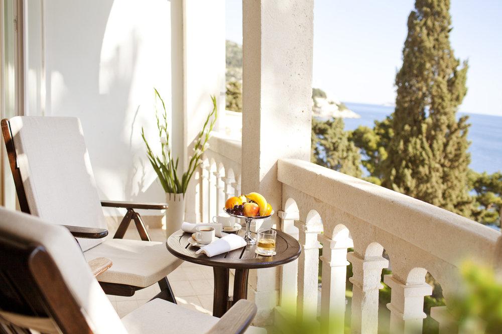 ALH_VArgentina_deluxe_room_balcony_04.jpg