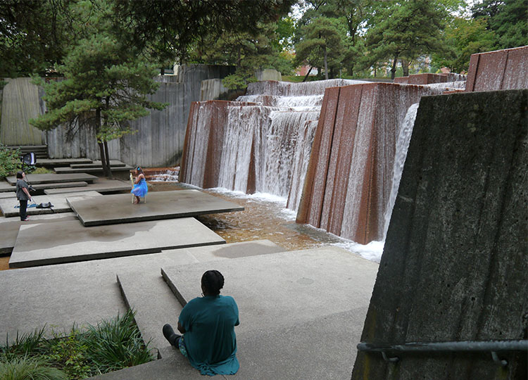 The form of the Keller Fountain in Portland was inspired by the dramatic west coast mountains.
