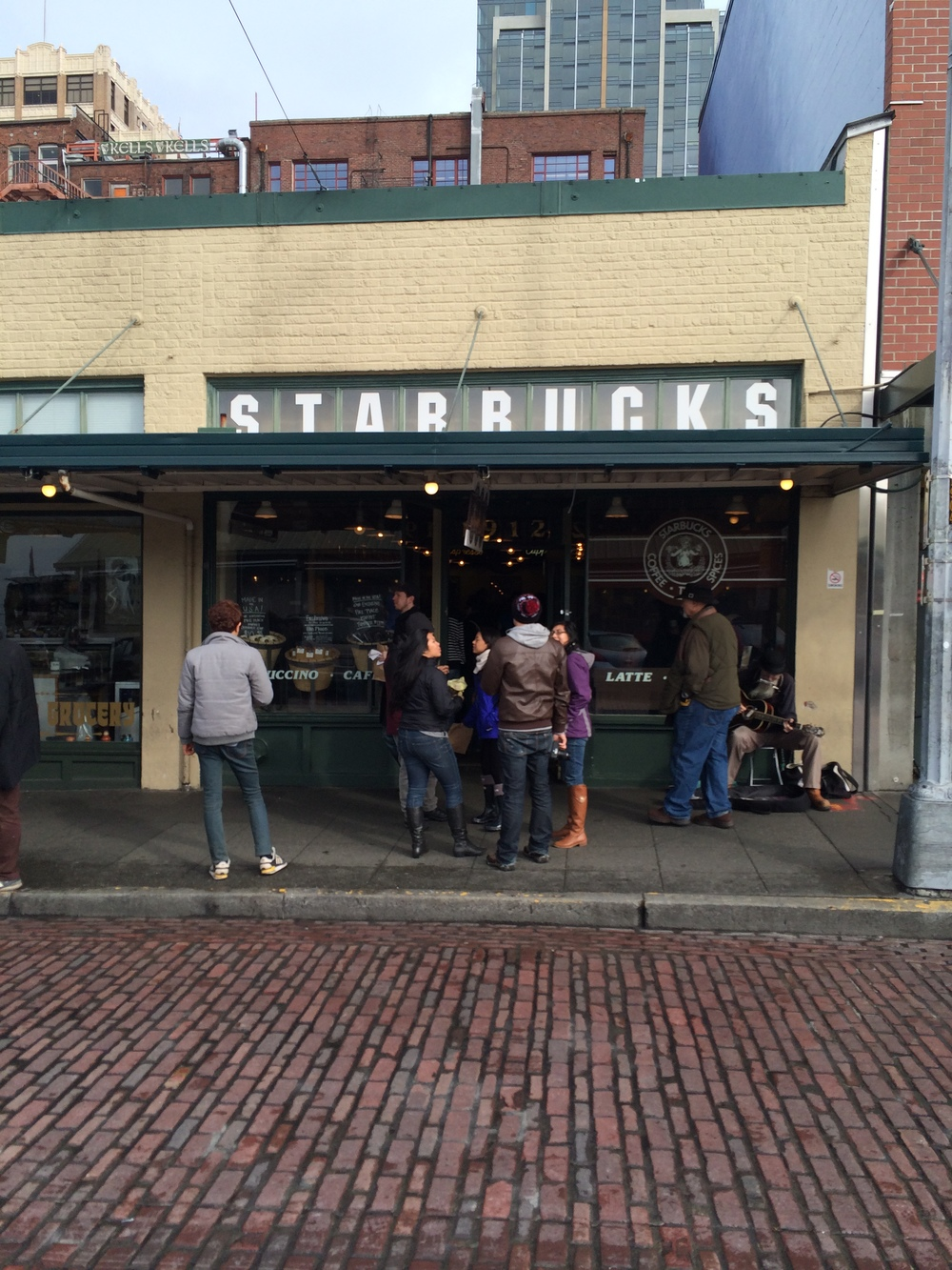 Paid a visit to the world's very 1st Starbucks!