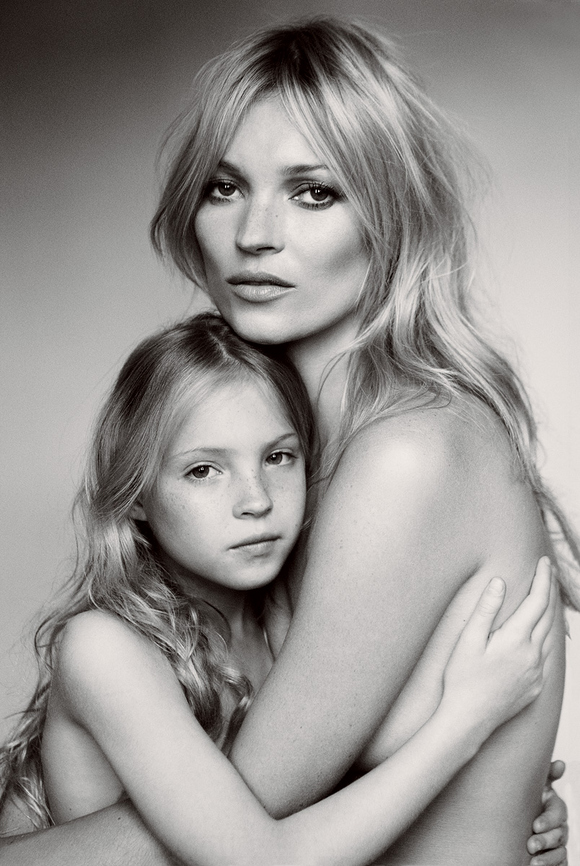 kate-moss-her-daughter--large-msg-131308362014.jpg