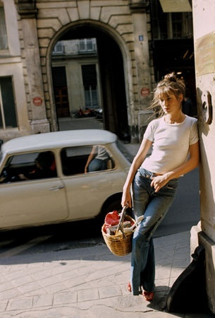amanda-brooks-why-jane-birkin-is-the-queen-of-jeans-vogue-1421477533_org.jpg