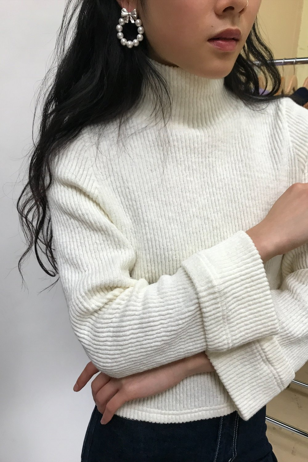 SIDE+PARTY+CREAM+ROLL+NECK+IVORY.jpg