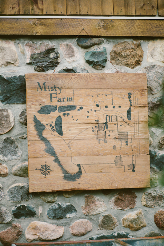misty-farm-wedding-sign.jpg