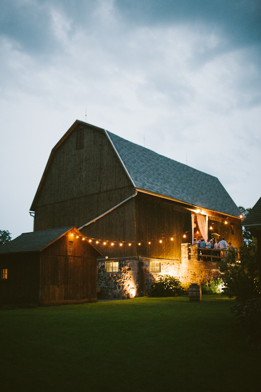 misty-farm-wedding-photography-barn.jpg
